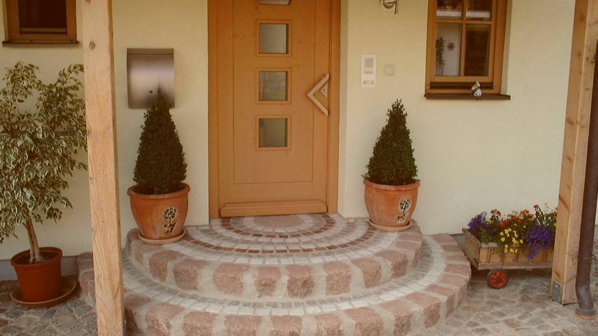 Stufen Eingang 2