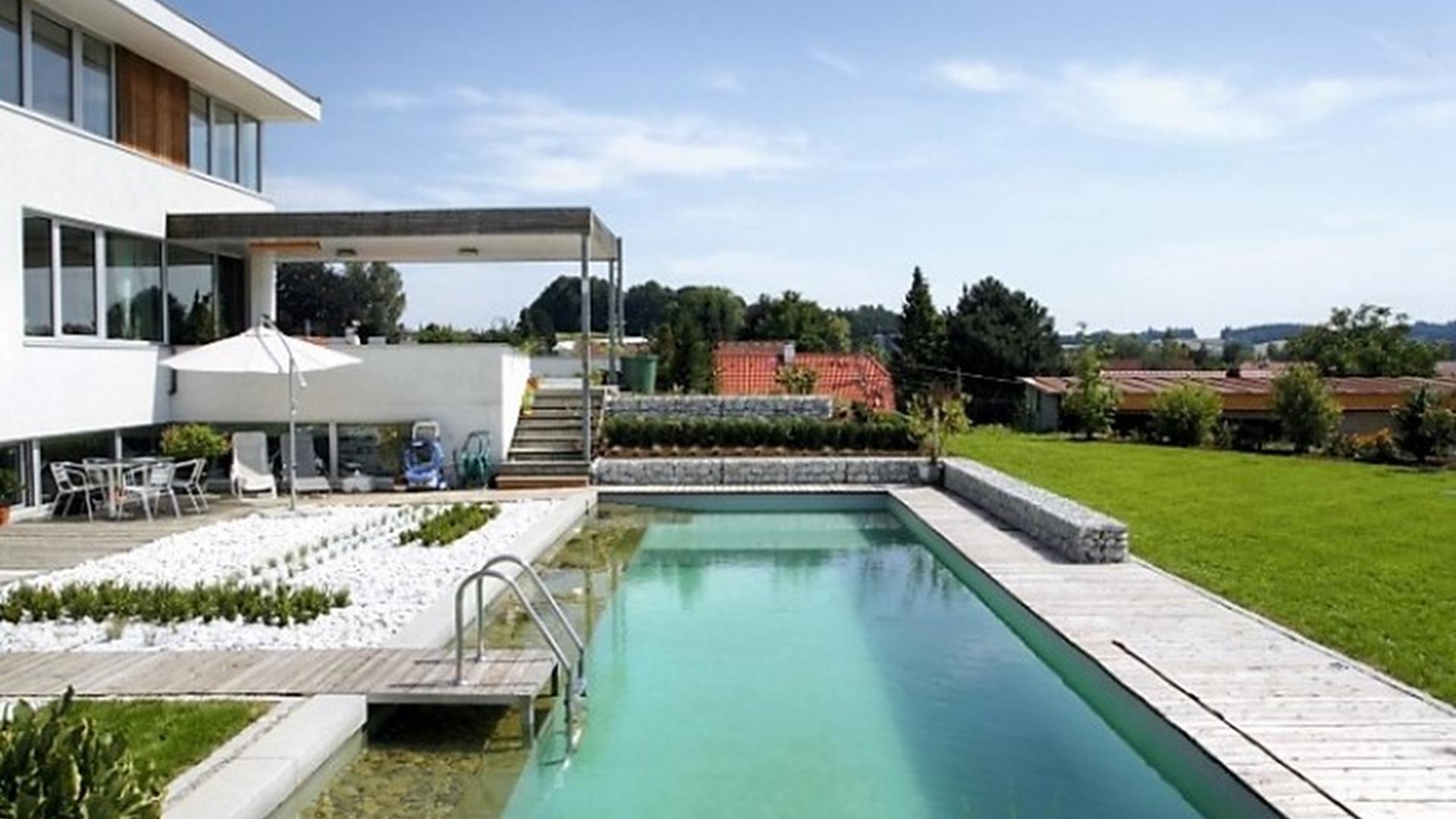 Wasser Im Garten Pool Large 2